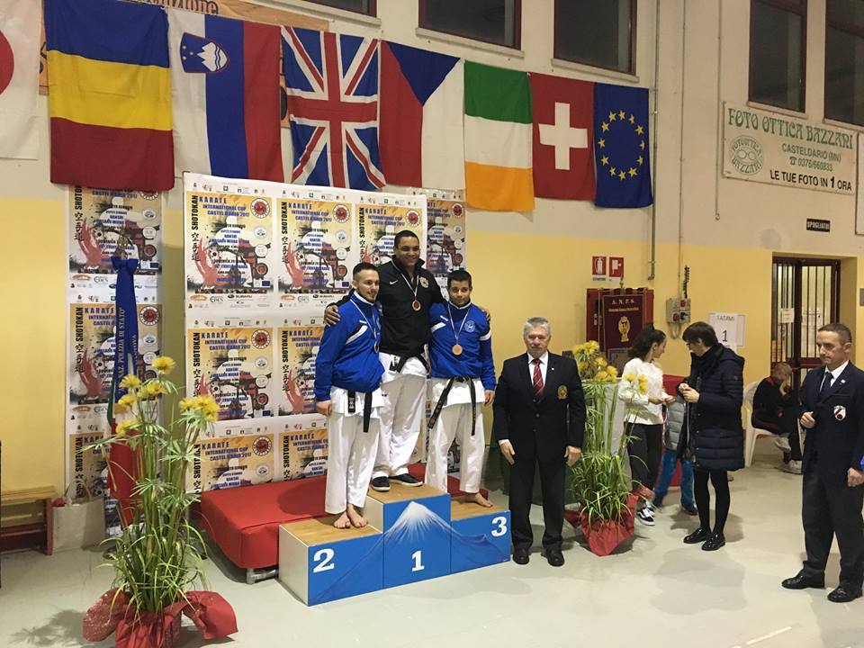 Gold in Italy - Sonny Roberts